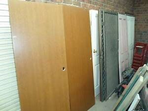Cheap Doors with hinges and some locks and stuff Gawler Gawler Area Preview