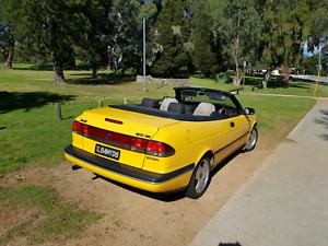 Saab 900SE convertible