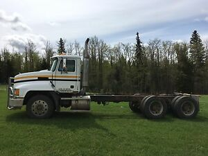 2001 Mack Cab and Chassis