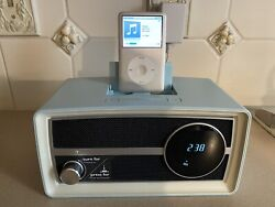 Phillips ORD2100B/37 Retro FM Radio Dual Alarm Clock iPod iPhone Speaker Dock