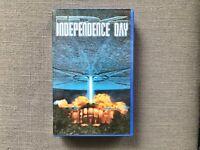INDEPENDENCE DAY   ID4   VHS   3D Wackelbild   mit Autogramm   Harburg - Hamburg Fischbek Vorschau