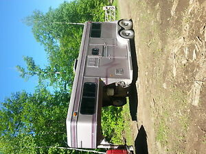 1994 sundowner horse trailer