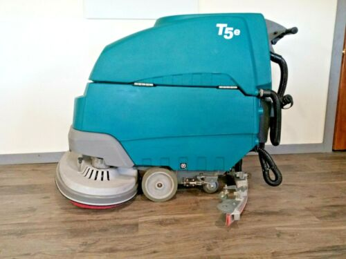 Tennant T5e, 32 in Floor Scrubber (New Batteries) Reconditioned