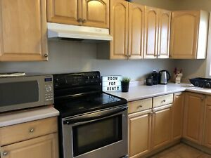 * 3 Furnished Rooms Avail May 1st in Large Student House *
