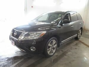 2016 Nissan Pathfinder Platinum, Navigation, Heated Leather and