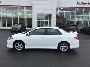 2013 Toyota Corolla S 5-SPD; AIR; BLUETOOTH; ALLOYS; FOG LAMP...