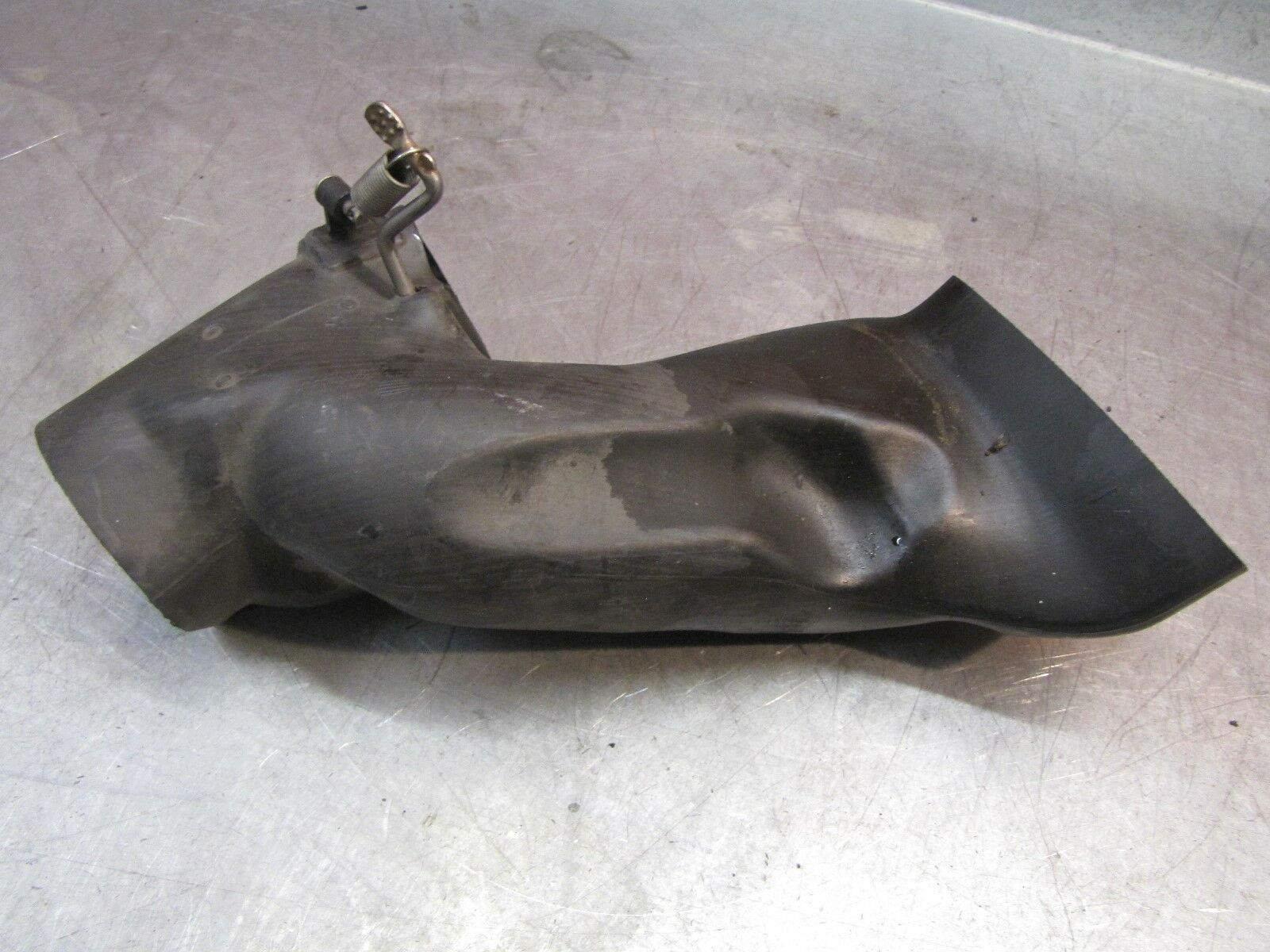 BMW R1100RT rechtse luchtbuis Air duct, right oliekoeler 46632313491