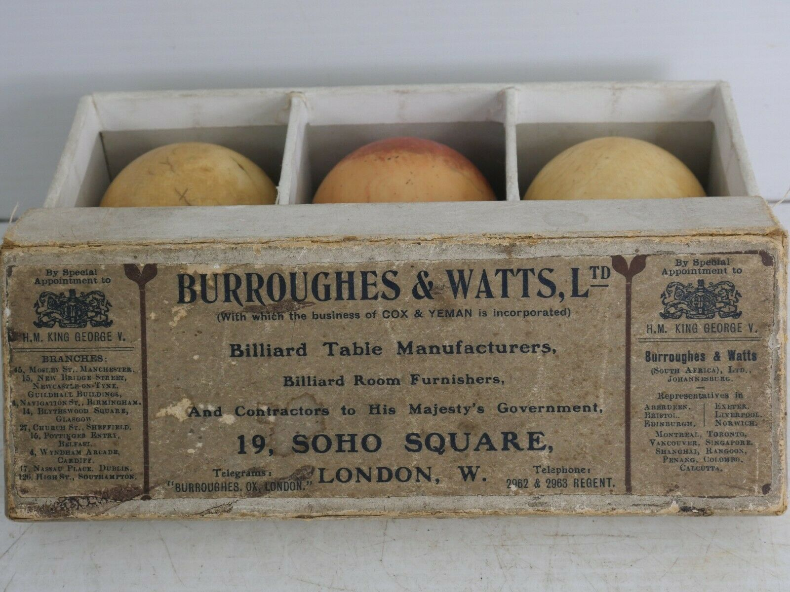 BOXED SET OF BURROUGHES and WATTS SNOOKER OR BILLIARD BALLS - VERY RARE - L@@K