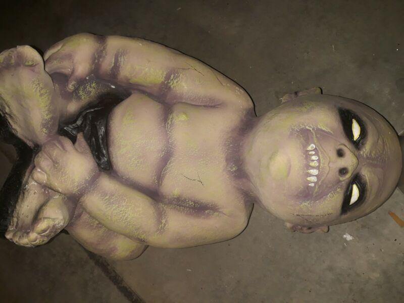 "Halloween ZOMBIE BABY VAMPIRE BABY 16"" Decoration Prop Haunted House Vintage NEW"