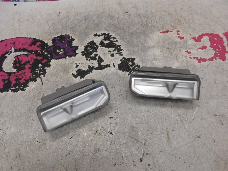 LEXUS IS 220D PAIR OF REAR NUMBER PLATE LIGHT ASSEMBLY UNITS 05-13