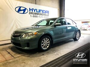 TOYOTA CAMRY HYBRIDE + TOIT + MAGS + CRUISE + WOW !