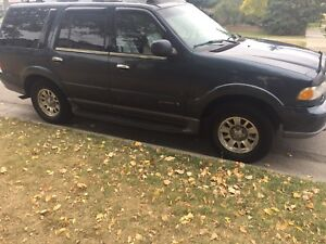 2001 Lincoln Navigator only $3000