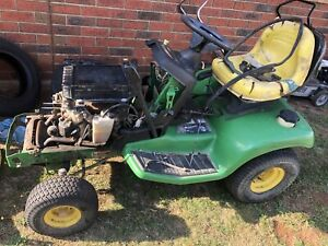 John Deere LX279 ride on mower