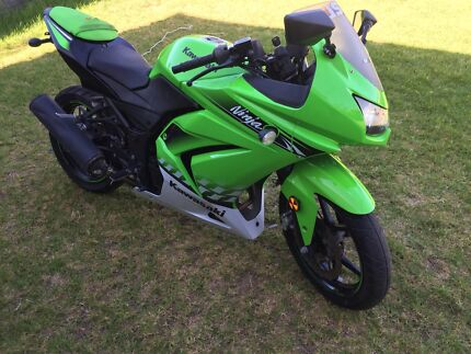 Motorbike 2010 Kawasaki ninja 250R special edition