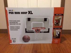 Mini Basketball Net and Ball - New