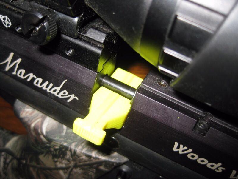 BENJAMIN MARAUDER PISTOL 22 CAL SINGLE SHOT TRAY PROD SST