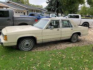 1989 Ford Grand Marquis (safetied!)