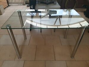 Glass table in very excellent condition