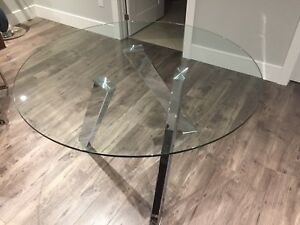 Sunpan Manhattan dining table with Chrome Legs