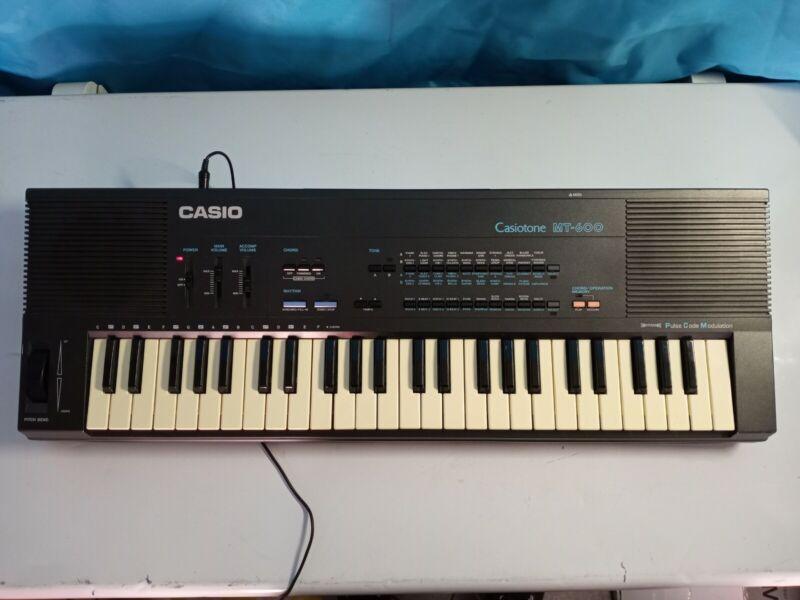 Vintage 1980s Casio Casiotone MT-600 Music Keyboard
