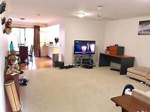 2 rooms for rent in 3 bedroom furnished townhouse-newmarket!! Newmarket Brisbane North West Preview