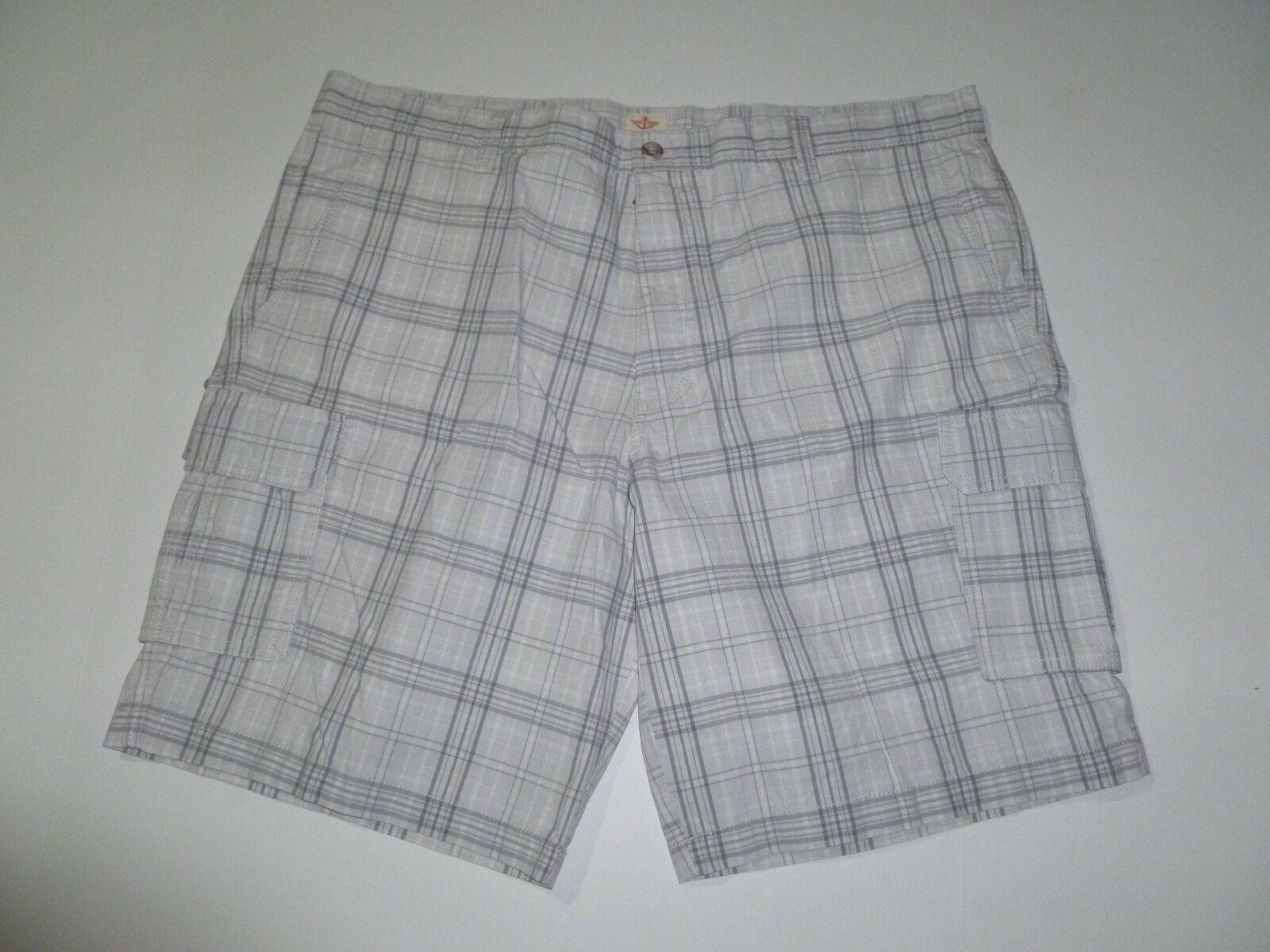 New Men Dockers Shorts Size 42 Plaid Shorts