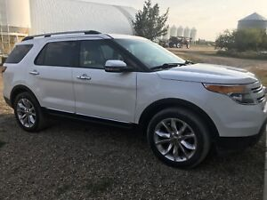 2011 Ford Explorer, great condition!