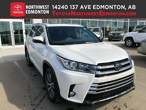 2017 Toyota Highlander XLE | AWD | Backup Cam | Nav | Heat Seats