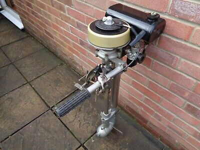 SEAGULL 40 PLUS OUTBOARD MOTOR 1973 IN UNUSUALLY ORIGINAL CONDITION
