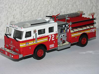 Code 3 FDNY Engine 72 Feuerwehr New York F.D.N.Y online kaufen