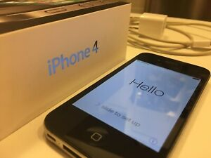 iPhone 4 - 16 GB Unlocked