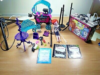 Job-lot of Monster high mixed  of bits and bobs approx 56 items attic-clearance](Monster High Clearance)