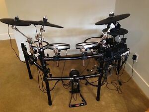 DTX750K electronic drumset