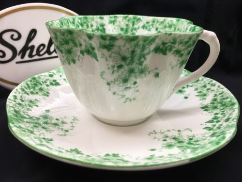SHELLEY  DAINTY GREEN DAISY   053  * CUP AND SAUCER *  GREEN TRIM