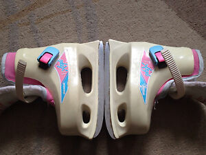 Young Girl Ice Skates size 10/11