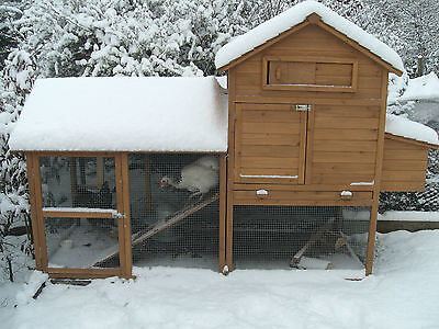 Large Chicken Coop / Hen house. 245 x 155 x 100cms
