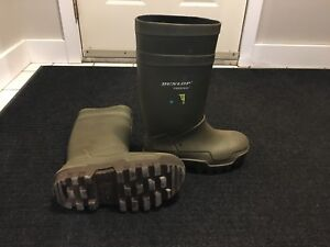 Men's Dunlop Steel Toe cold weather boots