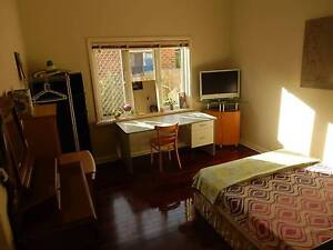 Double bedroom, COUPLE WELCOME ( $230 for couple ) Lathlain Victoria Park Area Preview