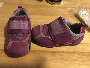 Pediped flex fit shoes size 24 (7.5 - 8 toddler)