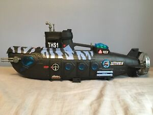 Submarine with accessories