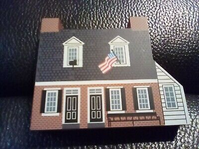Cat's Meow Village Barbara Fritchie House 1997 Collectors Club House