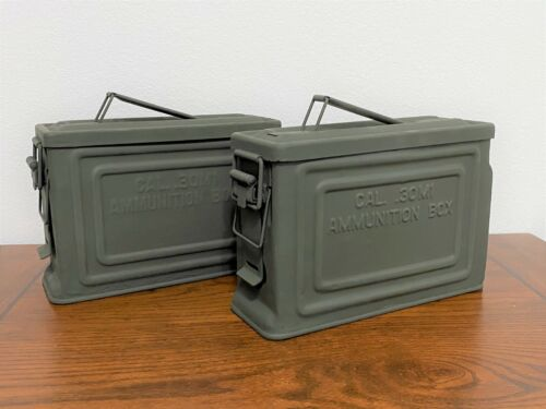 (2) MATCHING GENUINE WWII US MILITARY .30 CAL AMMO BOX / CANS .30M1 AMMUNITION