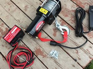 Treuil motomaster 3000lbs ( Winch )