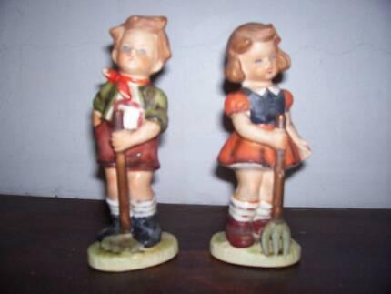 vintage ceramic boy and girl ceramic figurines. 15.5cm high vgc Oak Flats Shellharbour Area Preview