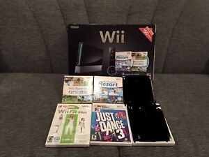 Nintendo Wii complete in box model RVL-001