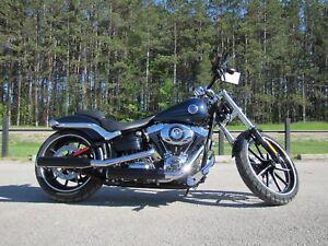 2013 Harley-Davidson® FXSB103 - SOFTAIL BREAKOUT