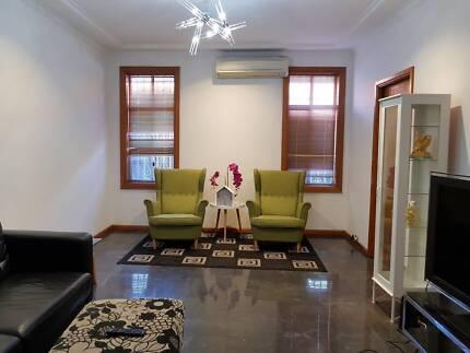 Furnished room for rent- Beverly hills station