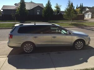 Sell 2009 VW passet/wagon. White/gold 2.0L