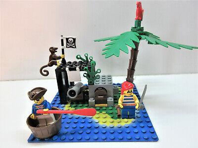 Lego Vintage LL Pirates #6260-Shipwreck Island-100% w/minifigs-no manual (1989)
