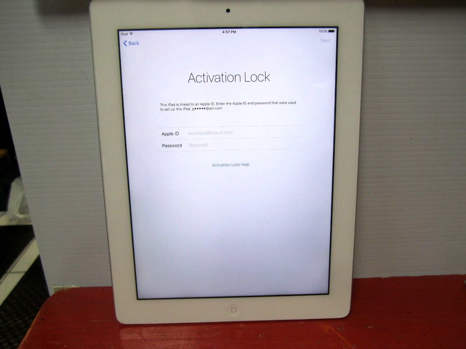 Apple iPad 3rd Gen. 64GB, Wi-Fi, 9.7in white -  as is READ